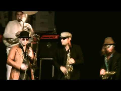 Flying Orkestar -  Fais-Moi Oune Bisou (Live)