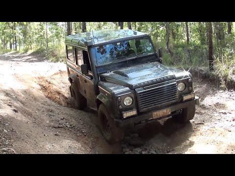 Toyota Landcruiser VS Landrover Defender Offroad 4x4 Challenge