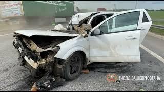 В Башкирии в ДТП с грузовиком пострадал водитель иномарки