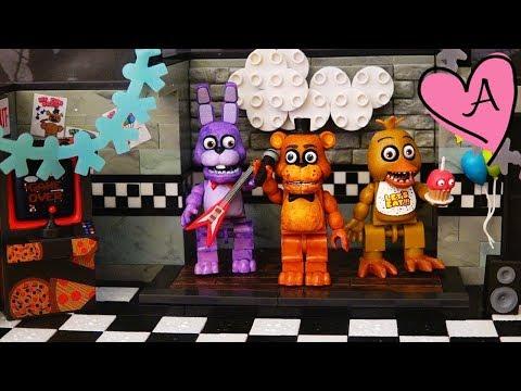figuras de roblox en mercado libre uruguay Juguetes De Five Nights At Freddy S En Espanol Fnaf Pirate Cove De Foxy Y Show Stage Youtube