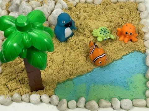 DIY PALM BEACH WITH KINETIC SAND, PEBBLES, SLIME AND SEA ANIMALS | KIDS FUN PLAY