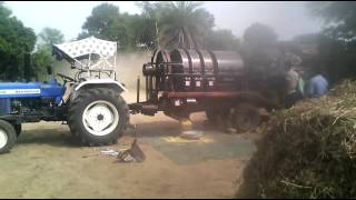 Mini combine, Multi crop cutter thresher Mfg. by Jagdamba agro industries.. 8989110981