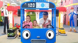 LoveStar have fun playing at the TAYO bus indoor playgound / Wheels on the bus song for kids