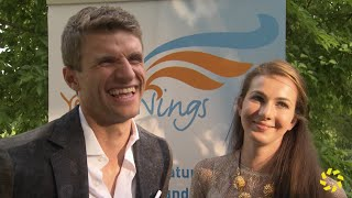 Thomas und Lisa Müller zeigen ihre Liebe und Familie bei einer Charity-Gala