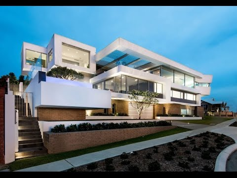 Modern House Design with Sustainability on a Prominent Corner in