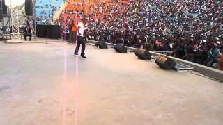 Top-One Frisson Au Coliseum de Atsonjombe à Madagascar