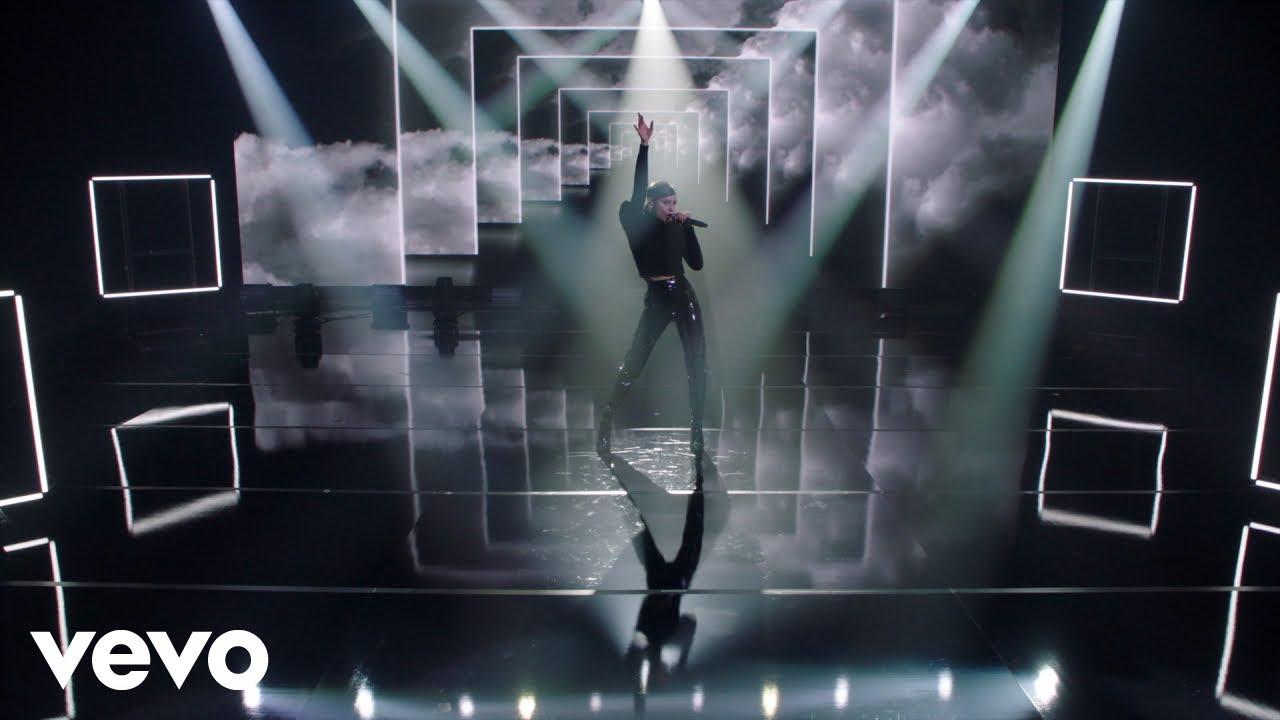 Download Sofia Carson - Guess I'm a Liar (Live Performance)