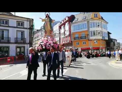 Procesión y gaitas en Vilalba en otro de los días grandes de sus fiestas