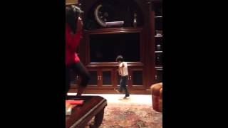 Akashi dancing