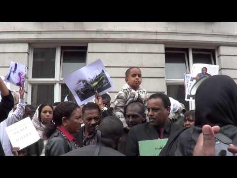 Demonstration outside Sudan Embassy against  Omar al-Bashir's regime.- London 28-09-13-01