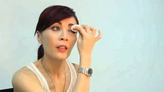 The Proper (And Gentle) Way To Remove Eye Makeup By Barbi Chan