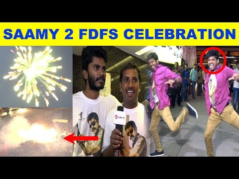 Saamy Square FDFS Celebration | #ChiyaanVikram #KeerthySuresh #Hari #SaamySquare #saamy 2