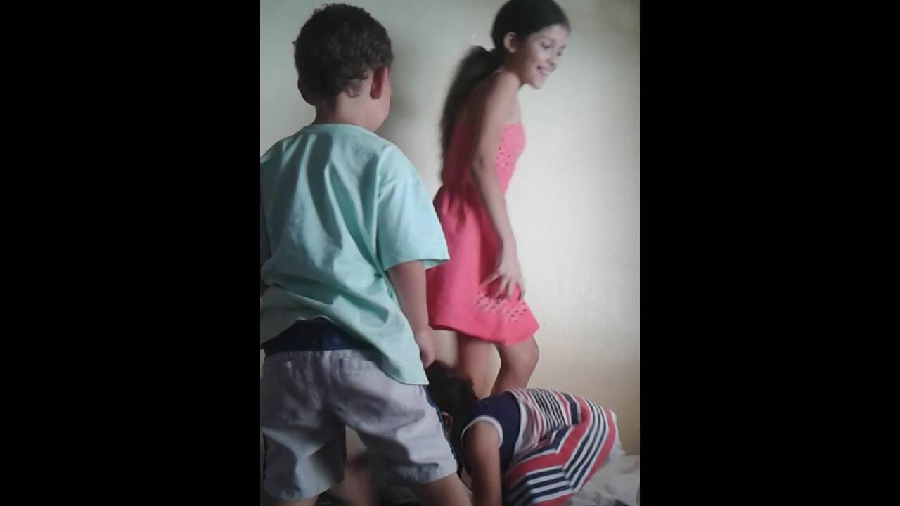 妹は兄と幸せな姪と遊ぶ[2:36x406p]