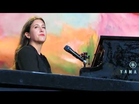 "Vanessa Carlton - ""A Thousand Miles"" - Minnesota State Fair - 08/25/17"