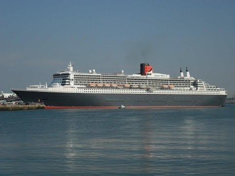 """Queen Victoria"" & ""Queen Mary 2"" depart from Southampton - 22/05/2012"