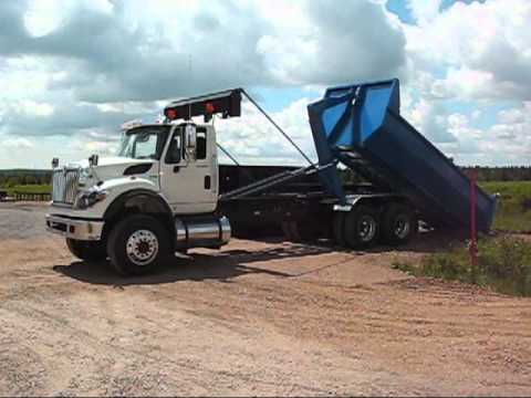 13 - HL35K20J62 -TRUCK :  HOOK-LIFT 40,000 LBS  WITH JIB - for Containers 16 to 22 foot