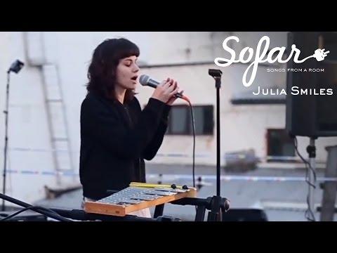 Julia Smiles - Tomorrow | Sofar Moscow