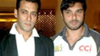 vuclip Salman Khan talks about his close Friends at Celebrity Cricket League 2011