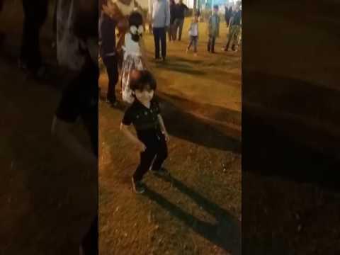 اجمل رقص طفل عراقي علا اغنيه طابخين النومي يخبل 2016 thumbnail