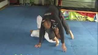 Golpe de Jiu-Jitsu ArmLock da Montada Variação para Frente – Vagner Curió