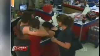 Héroe salva niña en supermercado , Australia , con final feliz