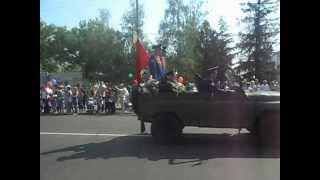 День Победы в Никополе 2012.Парад военной техники.(__* скажите как называются ракеты о_О., 2012-05-09T09:52:37.000Z)