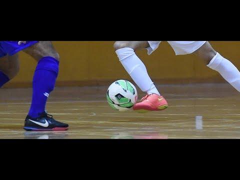 AJIIBB!!! Trik melewati lawan ini bisa kamu coba saat kamu main Futsal/ Sepakbola