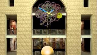 Monumental mechanical ''Raketa'' watches pendulum in ''Detski magazin na lubyanke''