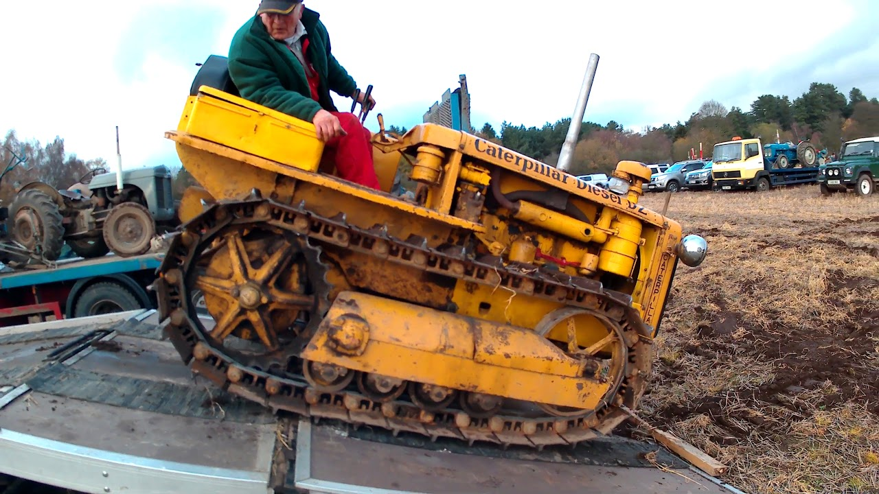 1938-1957 Caterpillar D2 Crawler 4 1 Litre 4-Cyl Diesel Tractor - Being  Loaded To Go Home