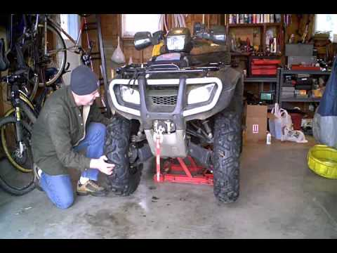 How to- Honda Foreman 500 Service Part 2 wmv