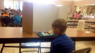 mom-visits-her-son-in-school-lunchroom-then-she-saw-what-teachers-had-done-and-was-outraged