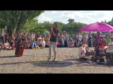 Jason Mraz - I'm Yours (Berlin Mauerpark Karaoke)