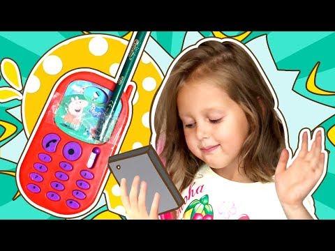 АМЕЛЬКА хочет Айфон! Будет ли у малыша свой телефон? iPhone мамы сломался ! Амелька Карамелька