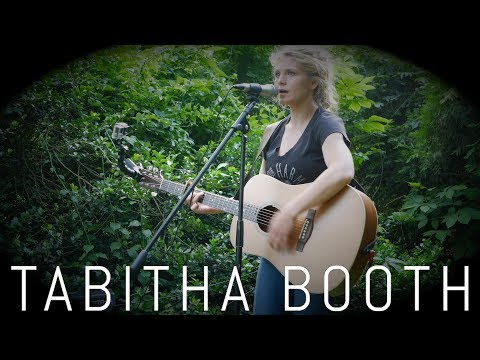 Tabitha Booth - Curiosity (Live at Alvaldi Studio Outdoor Space)