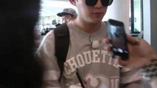 BEAST 비스트 Yoon Doojoon and Yang Yoseob meeting fans on Barcelona Airport FanCam Version
