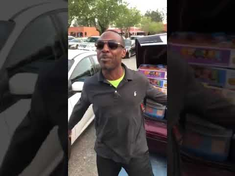 kelly - Dude Has EVERY Snack in His Trunk!