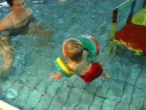 Manguitos delphin discs en youtube for Manguitos piscina