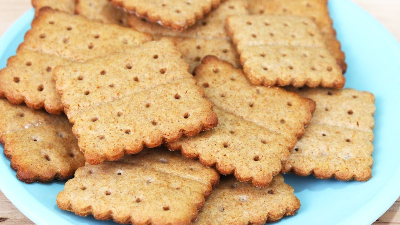 How to make homemade graham crackers youtube solutioingenieria Gallery