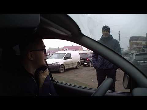 Нелегальные парковщики на рынке г. Ростова-на-Дону