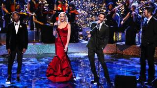 """Gwen Stefani - """"Have Yourself A Merry Little Christmas"""" Live on The Voice"""