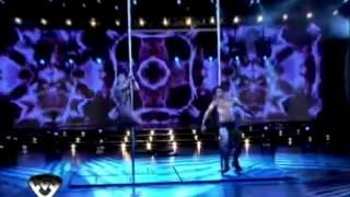 Showmatch 2011 - María Eugenia Ritó cerró la noche con un caño muy hot