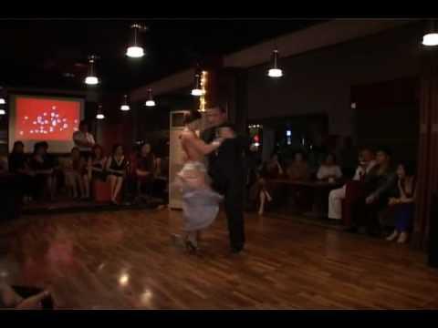 Club Latino Jakarta - Laila y Leandro