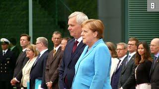 Merkel zittert zum dritten Mal: Sorge um Gesundheitszustand