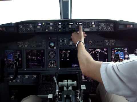 737 landing @ Sydney, inside cockpit!