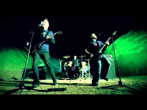 Three Days Grace - I Hate Everything About You (Official Music Video)