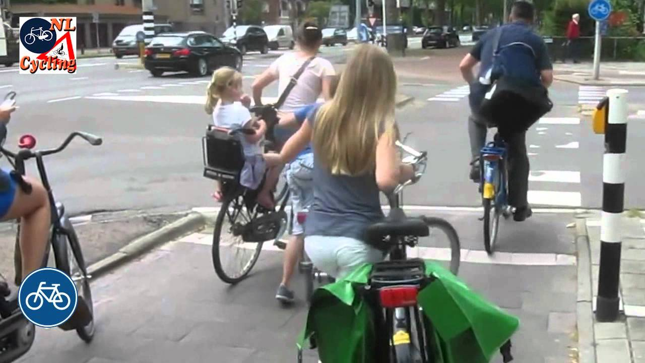 Cycling from the University to the Center of Utrecht