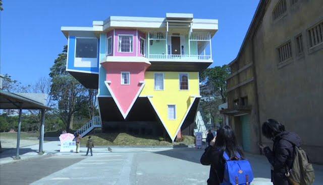 Empiezan a construir una casa por el tejado en taiw n youtube - La casa en el tejado ...