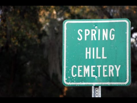 Ghost Hunting In the Spring Hill Cemetery W/ Some Crazy EVP's