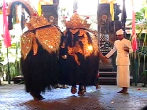 Bali traditional  theatre.wmv