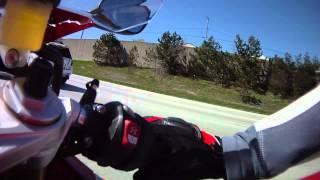 2015 BMW S1000RR vs 2015 Kawasaki H2